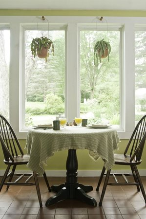Golden Stage Inn Bed and Breakfast: Eat a delicious breakfast, often locally sourced, in our sunny solarium.