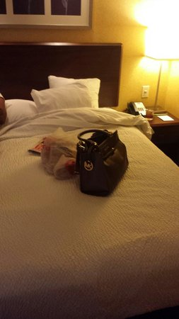 SpringHill Suites Arundel Mills BWI Airport : The comfy king size bed