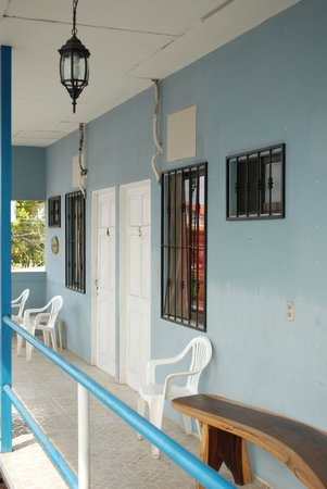 FT's Tamarindo Cabinas: View of upstairs