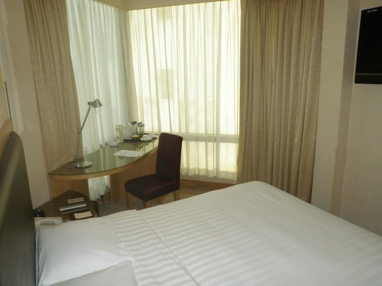 Stanford Hotel Hong Kong: My cramped room
