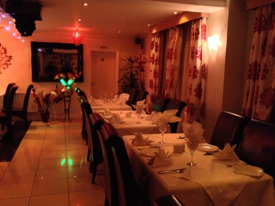 Bollywood Spice: Inside Very clean & looks nice