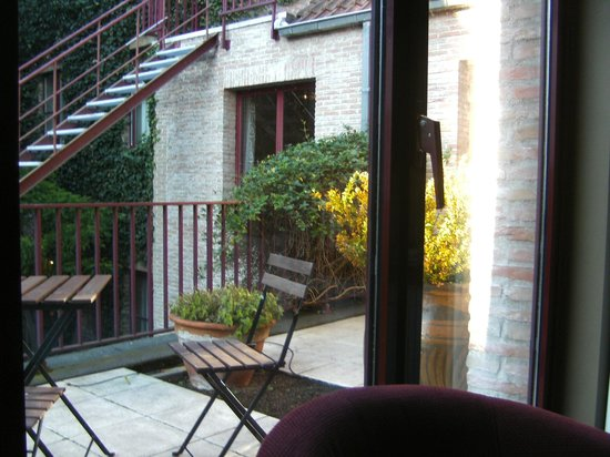 Hotel Acacia: Balcony outside bedroom