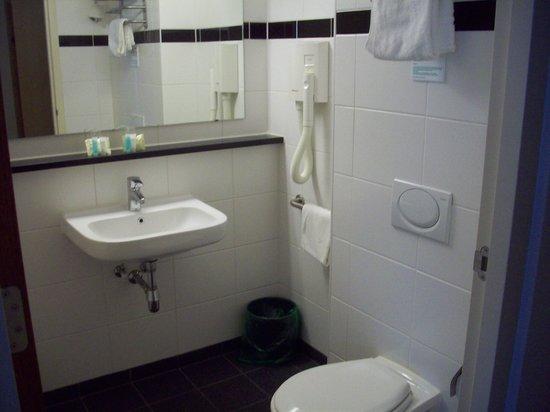 Bastion Hotel Rotterdam Alexander: Bathroom