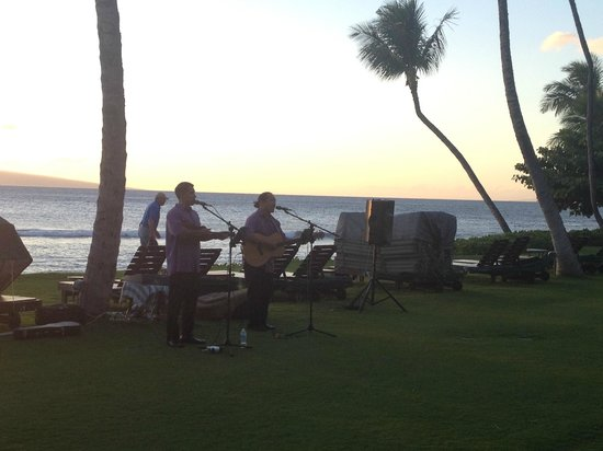 Marriott's Maui Ocean Club  - Lahaina & Napili Towers : Entertainment provided by the hotel