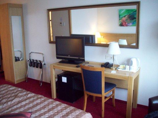 Bastion Hotel Rotterdam Alexander: Room