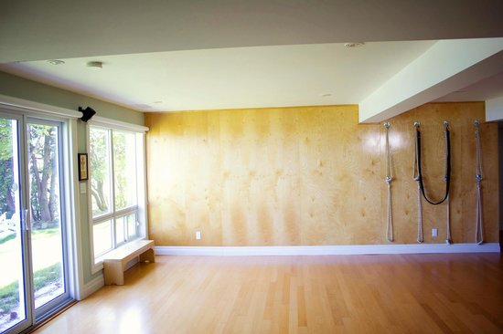 Sandbanks Yoga: 650 sq ft studio