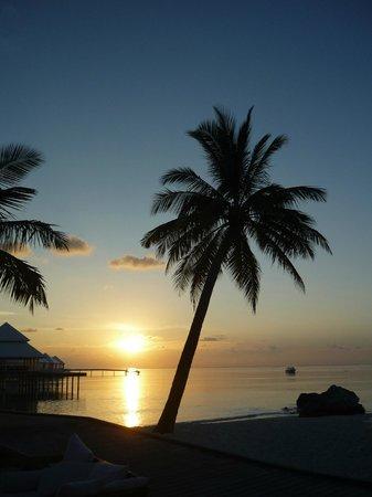 Diamonds Thudufushi: Sonnenuntergang