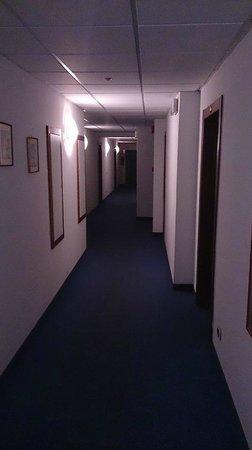 Hotel Paoli: corridoio visto dalla mia camera