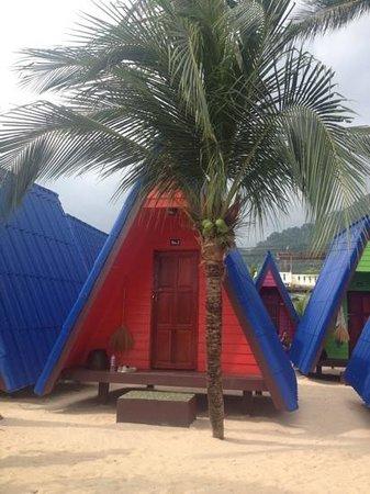 New Hut Bungalows: cute huts