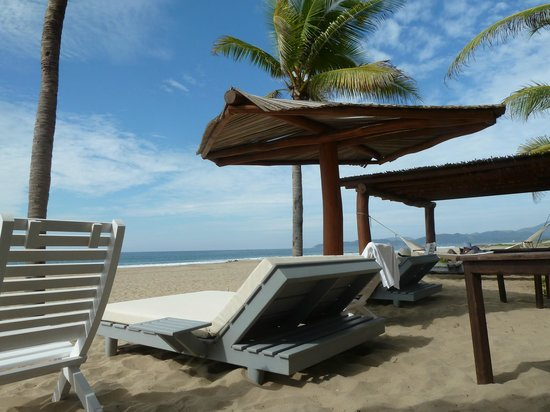 Las Palmas Resort & Beach Club: Peaceful beach front