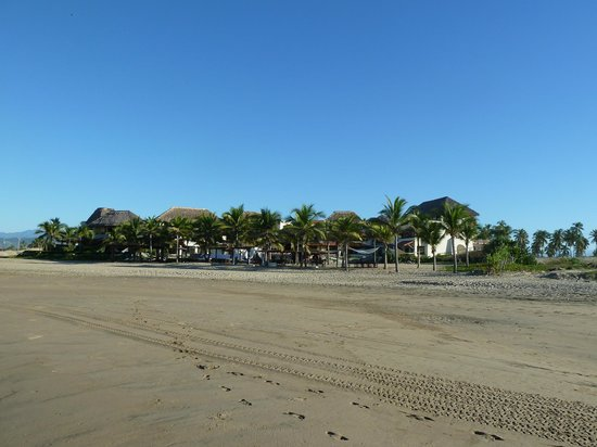 Las Palmas Beachfront Villas: View from the beach