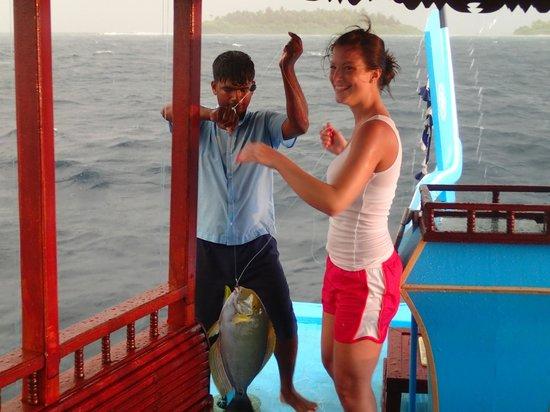 Medhufushi Island Resort : Sunset fishing