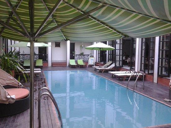Vinh Hung 2 City Hotel : Piscina
