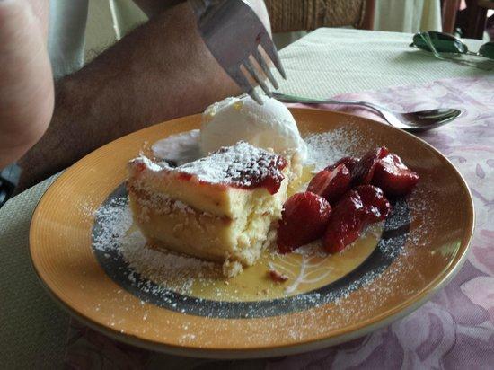 Hosteria Millahue: Cheescake con helado