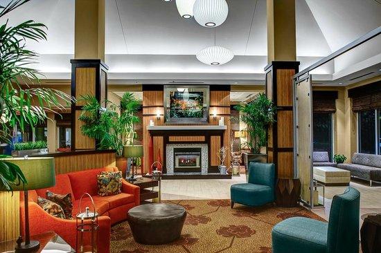 Hilton Garden Inn Atlanta North/Alpharetta: Lobby Seating