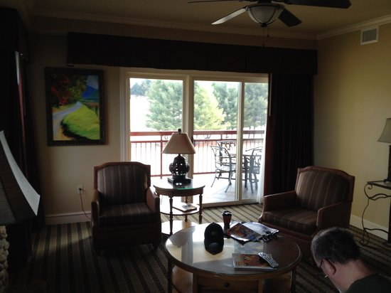 RiverStone Resort & Spa: living room