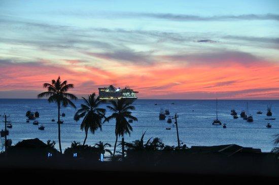 Hotel Park Avenue Villas: Fantastic Sunsets