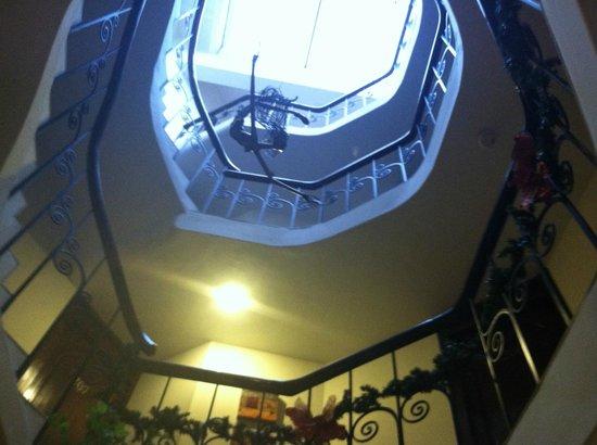 Encantada Casa Boutique Spa: Spiral stiars inside hotel