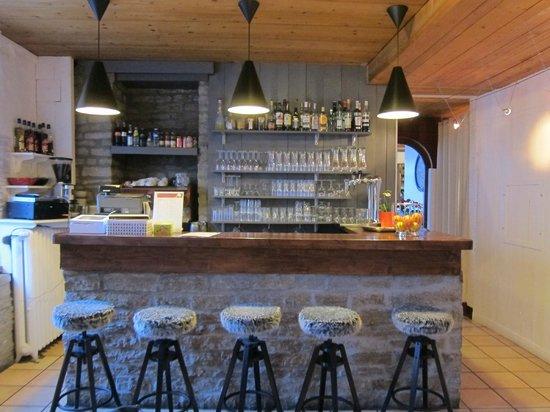 Hotel La Chaumiere: cozy bar