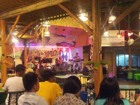 Silverio's : Stage