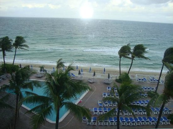 Ocean Sky Hotel & Resort: Picture from our room