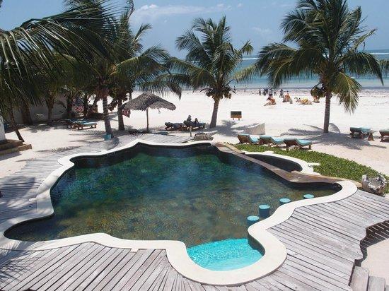 Waterlovers Beach Resort: The really nice pool