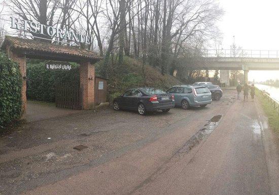 Facile parcheggio picture of ristorante il naviglio for Il naviglio grande ristorante
