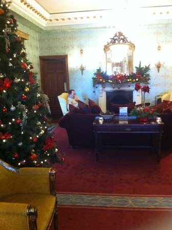 Glenlo Abbey Hotel: one of the choice lounge rooms