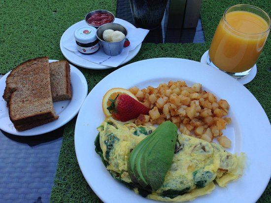 Shades Restaurant : Organic Omelette set. $15 (drink excluded)
