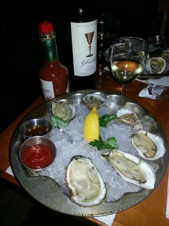 Pearl Oyster Bar: Tasting the Sea!