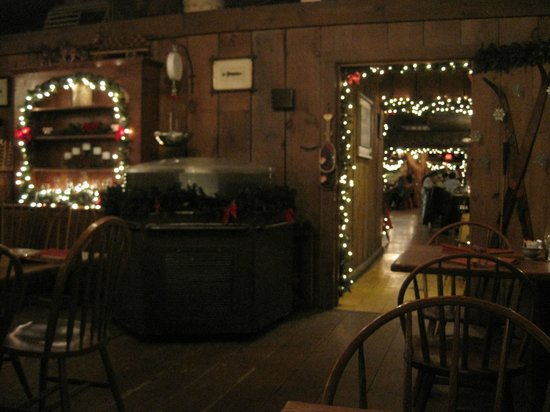 Log Jam Restaurant: Back room where we were seated near the fireplace