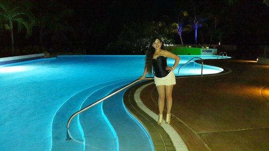 Hilton Barbados Resort: Piscina Hotel