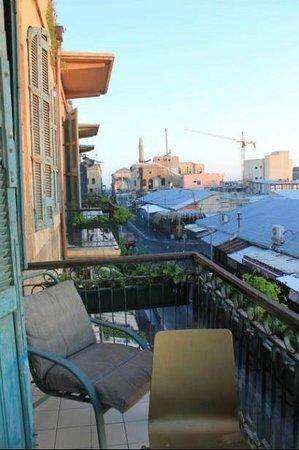 Old Jaffa Hostel: room balcony