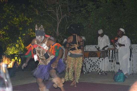 The Residence Zanzibar : Different evening entertainment every night...African night