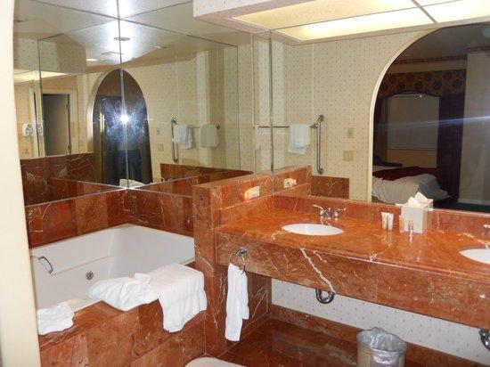 Legacy Golf Resort: Bathroom
