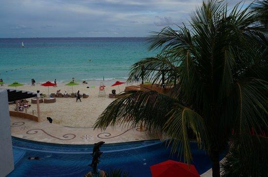 Sunset Fishermen Spa & Resort: Vista de la playa desde la habitacion