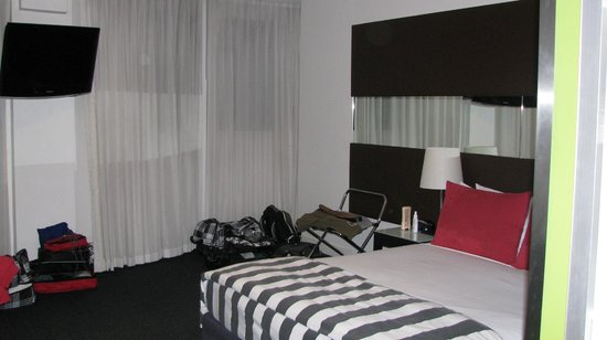 Vibe Hotel Sydney: Our room