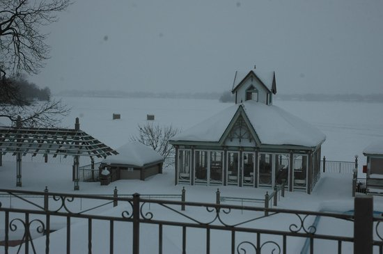 Fern Resort: Winter wonderland room view