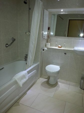Best Western Diplomat Hotel & Spa: Bathroom