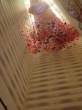 Hyatt Regency Houston : Balloon Drop