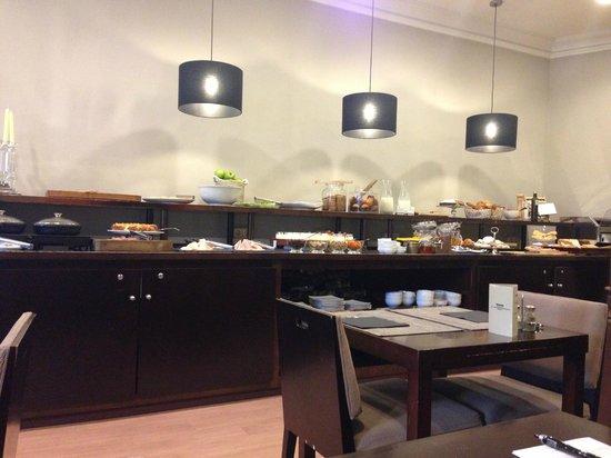 Hotel Regina Barcelona: breakfast buffet