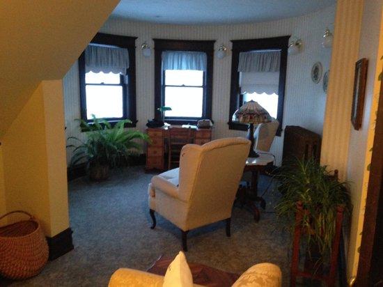 Old Rittenhouse Inn: Turret Suite