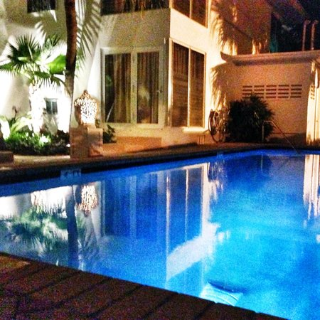 Hotel Lush Royale: Pool #2 at night.  Located in the newer area of the property.