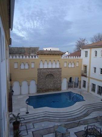 Hotel Macia Alfaros : pool area