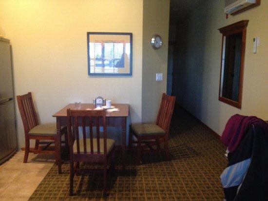 Homestead Resort: Dining table