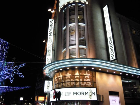 The Book of Mormon London : Teatern