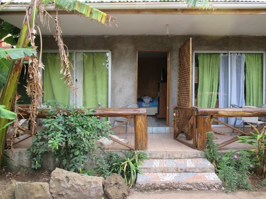 Cabanas Manuto : rural, smelly, noisy yikes