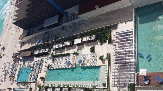 Secrets The Vine Cancun: Preferred Pool on Right