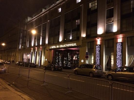 The Hotel du Collectionneur Arc de Triomphe: front of hotel