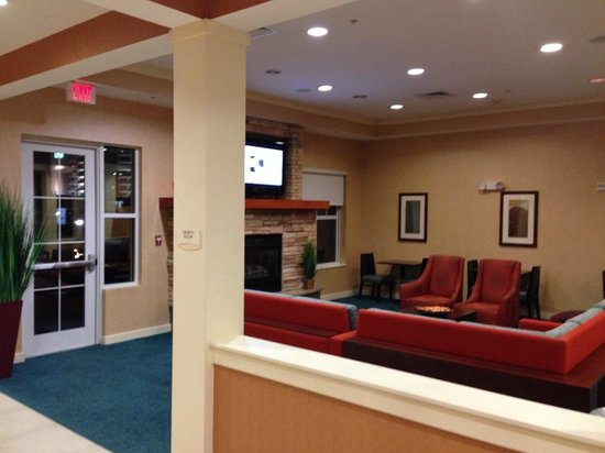 Residence Inn Charlotte Concord: FRONT LOBBY